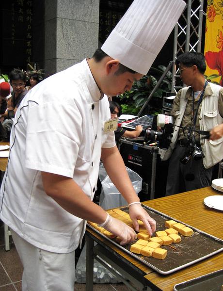 最年輕的鳳梨酥冠軍得主-順觀泰蛋糕師傅周士詠