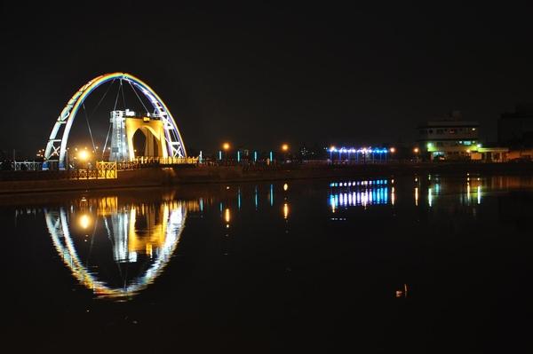 新建的彩虹橋