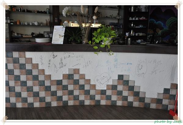 許多名人的簽名.JPG