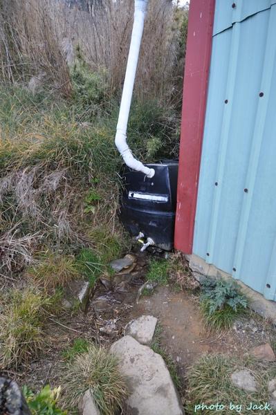 廁所左前方集水桶