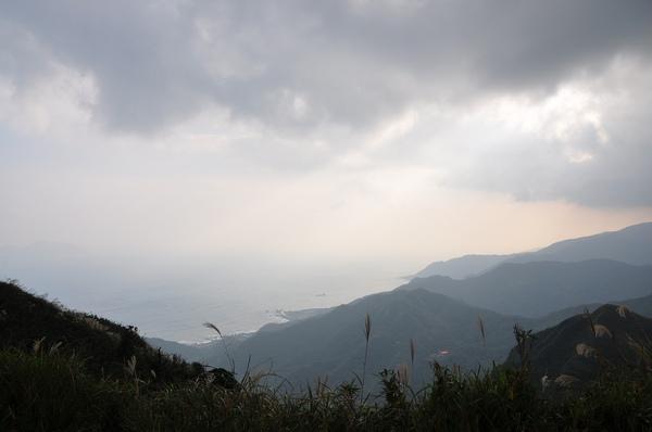 下山時從雲層中透出些許的陽光