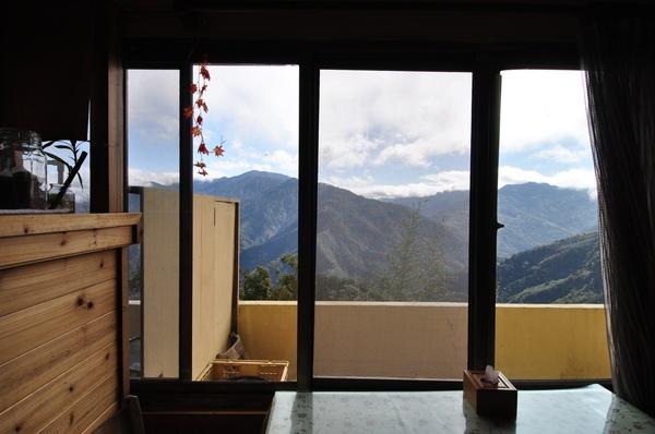 餐廳內的窗戶