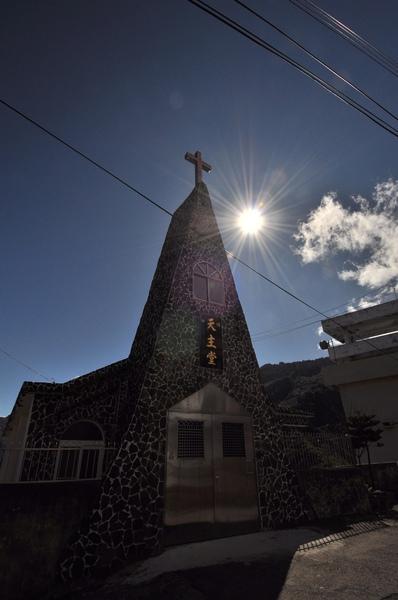 陽光透過教堂主樓