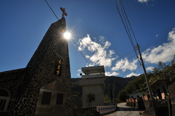 陽光透過教堂主樓2