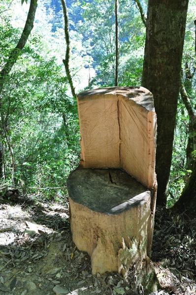 被做成椅子的形狀