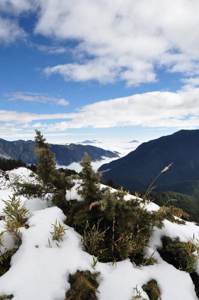 藍天白雲加白雪