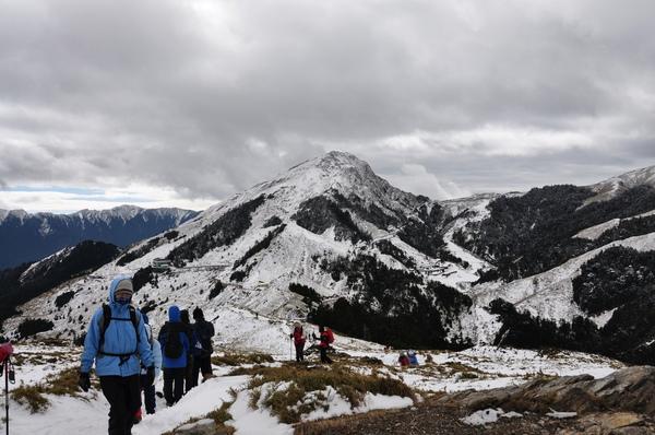 合歡東峰就在松雪樓右上角