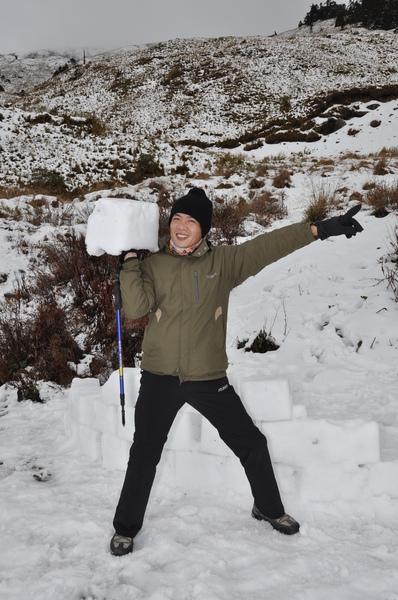 不知道誰砌的冰磚