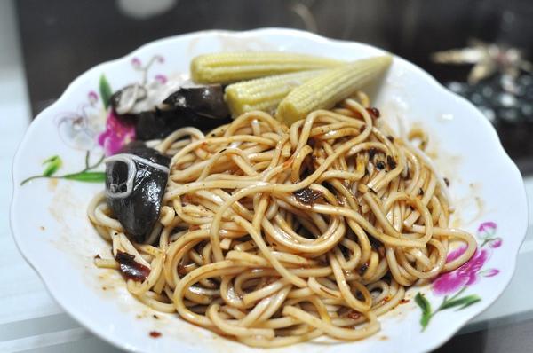 加上玉米筍跟鮮香菇