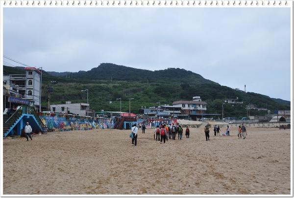 爬山爬到沙灘上來 還真是新鮮