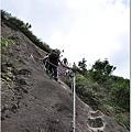 登慈母峰陡峭的階梯