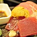 海膽加生魚片