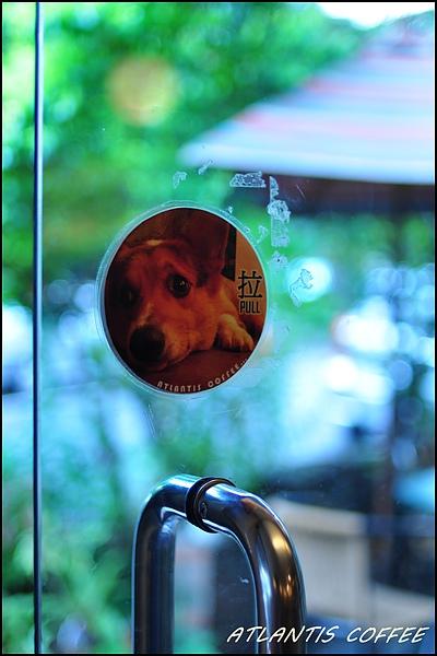 門把上也有Jeter的照片