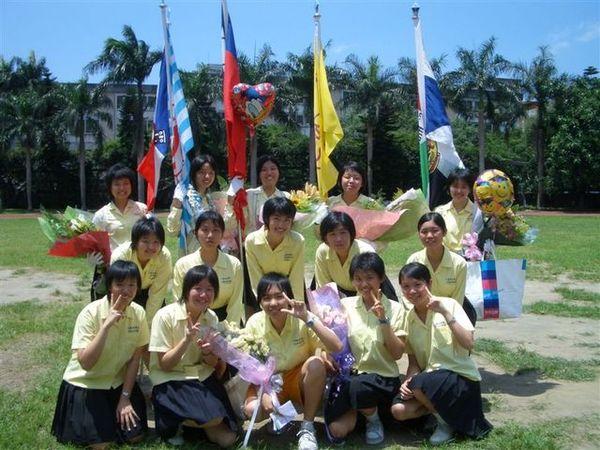 2005.6.7畢業典禮-假的三代同堂
