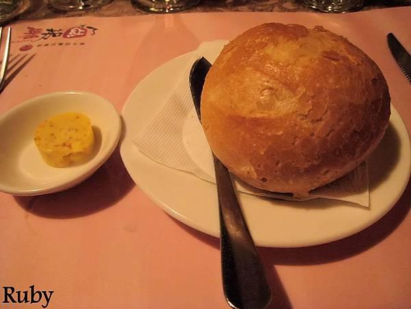 法國麵包佐蒜味奶油