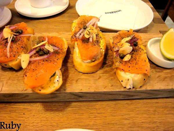 挪威燻鮭魚蒔蘿三明治