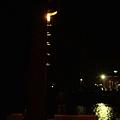 夜風中,漁人碼頭終點的燈塔