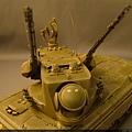 砲塔迅速轉向,35快砲瞄準鎖定、準備射擊!