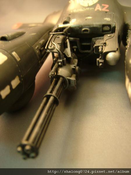這火神炮是專門用來[修理]地面的裝甲車輛的