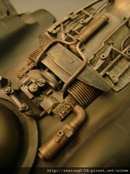 熱氣管都給它上點鏽色~就像車子的排氣管一樣!