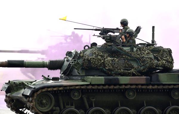 2015年01月28日反空降操演 復仇者飛彈‧雲豹甲車出動.png