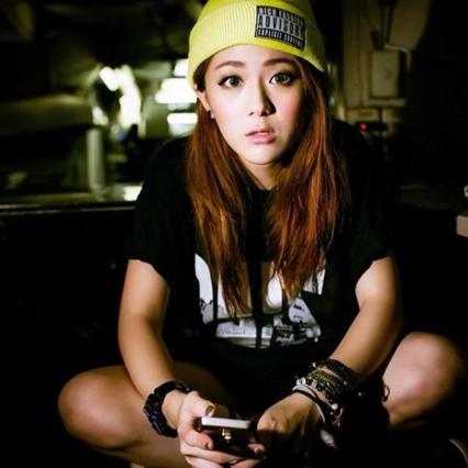 2015年04月10日《台灣行行出美人》Ep02嘻哈界神似鄧紫棋美女DJ 勾魂美聲電的你暈頭轉向!!