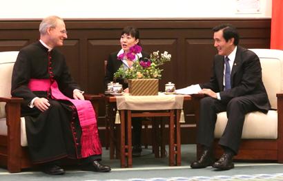 2016年04月09日接見教廷大使 馬:雙邊關係歷久彌新