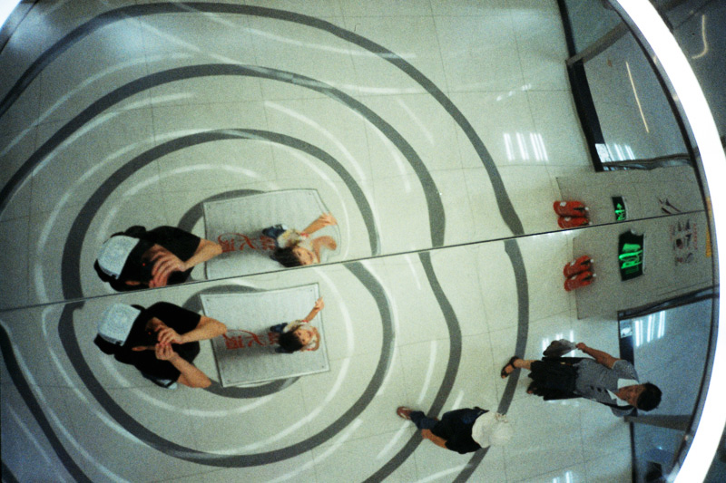 Negative0-09-09 LOMO LCA+ x Fujifilm Superia X-TRA 400.jpg