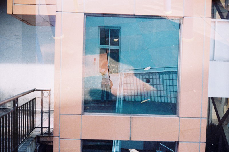 F1000014 YASHICA GSN X  OLYMPUS 35DC XFUJIFILM SUPERIA X-TRA 400 MX Shirely.JPG