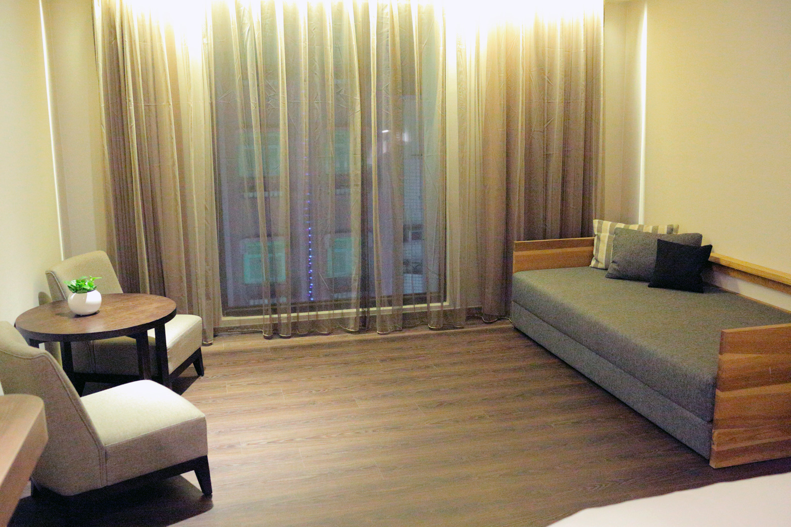 hotel0008.JPG