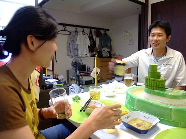 勝美先生一直在灌姵吟酒