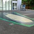 其實地板上的圖案並不是長方形