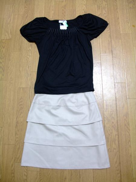 上衣(JPY 882)+裙子