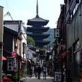 這條街道真的很有京都味耶 我超愛~!