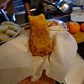カッさん大推薦的炸南瓜 是直接把南瓜沾蛋汁+麵包粉 真的很甜很好吃!!