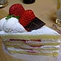 吃飽後還有蛋糕會不會太幸福 哈哈