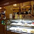 逛累了又殺去吃日本超人氣的蛋糕店Harbs