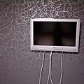 2F主臥室的電視牆 真理很喜歡現代摩登的設計