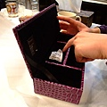 真理送姵吟的珠寶盒 希望她有一天可以用到