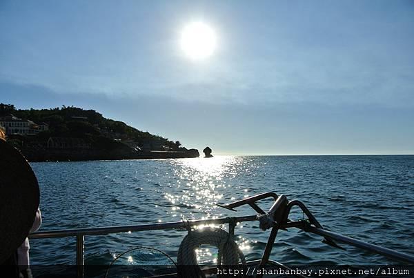 乘坐小琉球觀光玻璃船回程夕陽美景.JPG
