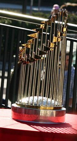 250px-2004_WorldSeries_Trophy.jpg