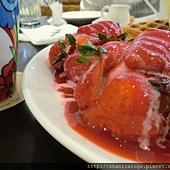 草莓多到林先生都傻眼  可是我覺得HANA的比較多:P