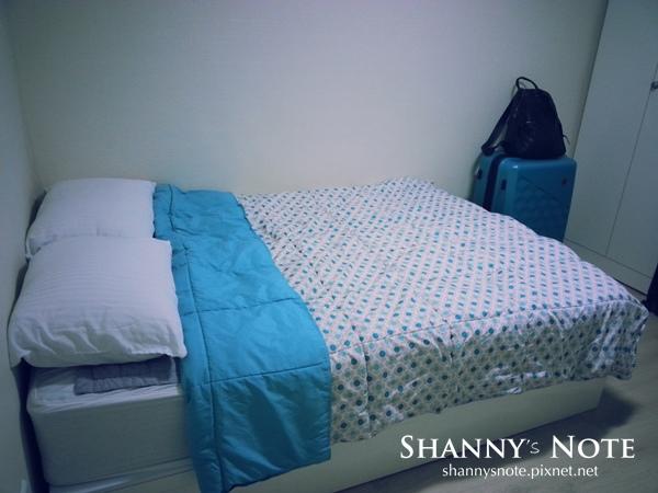 room 06.jpg