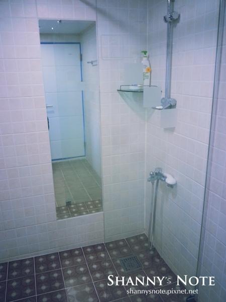 shower 03.jpg