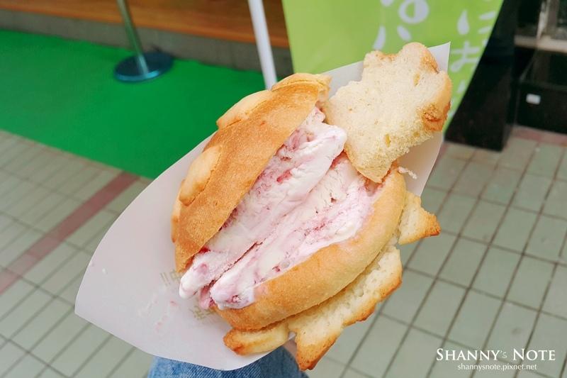 世界第二好吃的現烤冰淇淋波羅麵包14.jpg