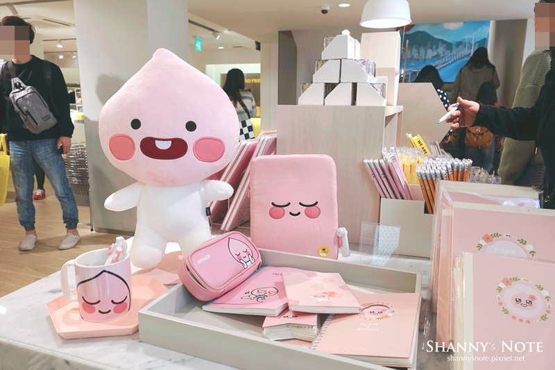 Kakao Friends Store釜山旗艦店Apeach Cafe 18.jpg