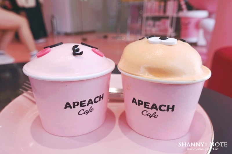 Kakao Friends Store釜山旗艦店Apeach Cafe 50.jpg