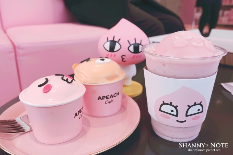 Kakao Friends Store釜山旗艦店Apeach Cafe 65.jpg