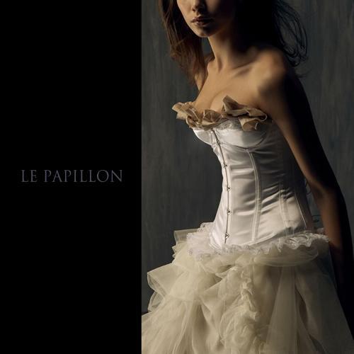 【LE PAPILLON】法式罩杯蕾絲裙馬甲 (米白) 46000.jpg