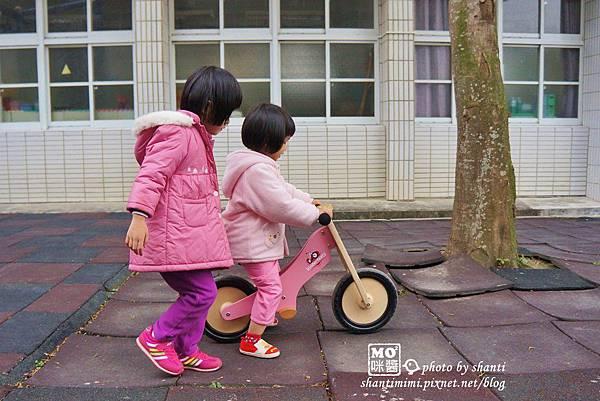 momo&咪醬,Kinderfeets滑步車